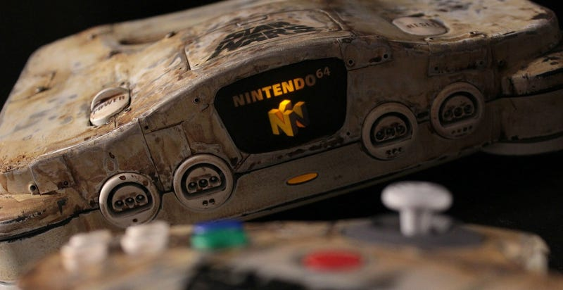 Illustration for article titled Star Wars N64 Looks Like It Was Found In The Wreckage Of Jakku