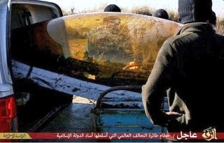 Illustration for article titled ISIS Captures Jordanian F-16 Pilot Downed Over Raqqa, Syria