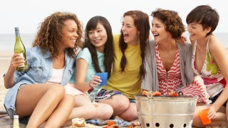 Illustration for article titled Binge Drinking Is More Likely To Affect Teen Girls Than Teen Boys