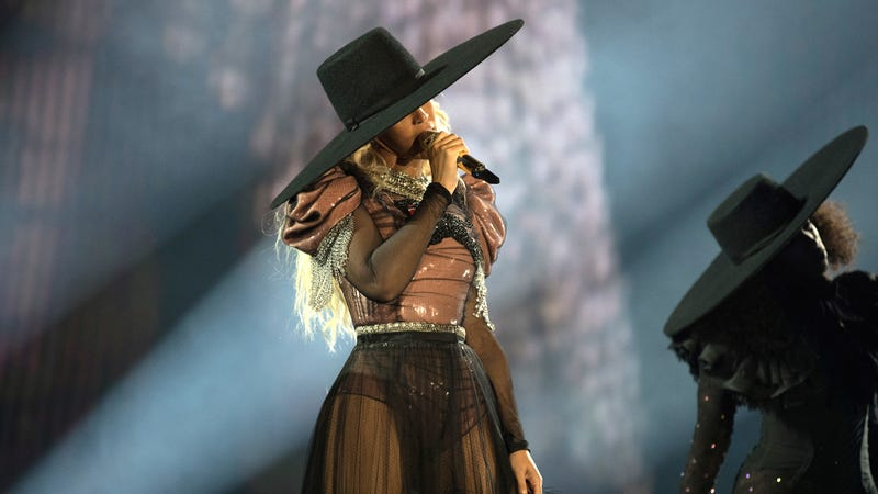 i would like to blog in this beyoncé formation tour hat, please
