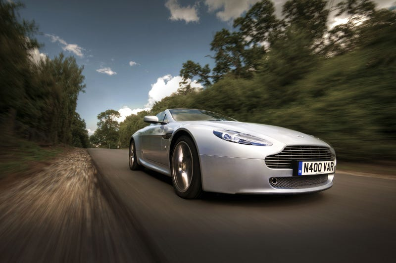 Illustration for article titled Your ridiculously awesome Aston Martin wallpaper is here