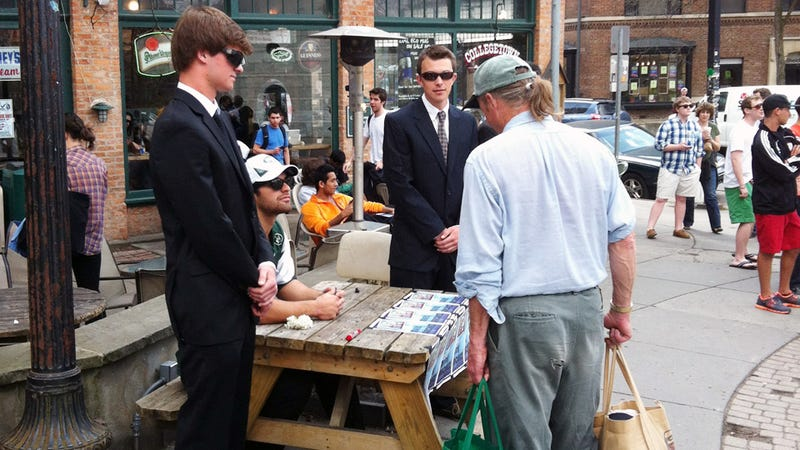 Illustration for article titled A Cornell Fraternity Pledge Had To Dress Up As Mark Sanchez And Sign Autographs In Town