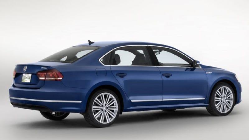 Illustration for article titled VW Passat BlueMotion Concept: A Non-Hybrid, Non-Diesel, MPG Monster