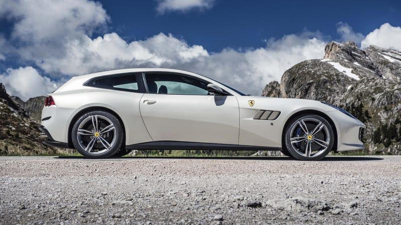 Illustration for article titled Ferrari is the New Aston Martin?