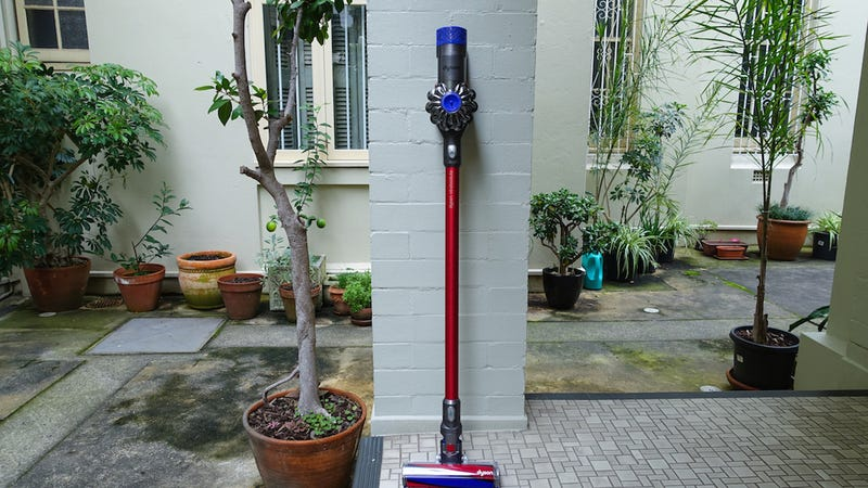 Dyson V6 Absolute | Photo via Gizmodo AU