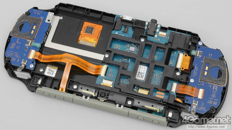 Illustration for article titled The New PS Vita Torn Apart