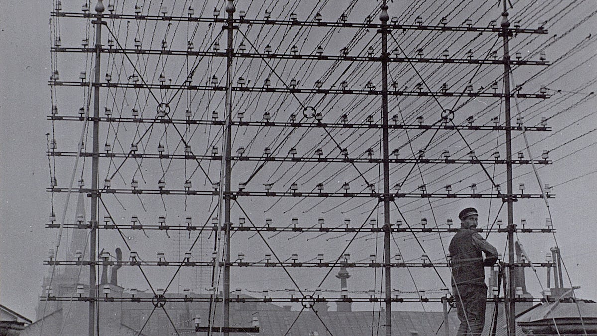 Incredible Photos From The Days When Thousands Of Cables Crowded The Skies Wiring Digital Resources Ntnesshebarightsorg