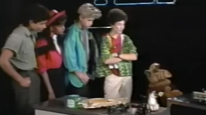 """Screenshot: Saved By The Bell Cast Hosts """"Who Shrunk Saturday Mornings Special"""" (1989)"""