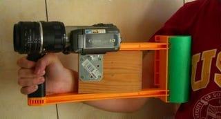 Illustration for article titled DIY Shoulder Camera Stabilizer