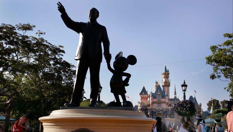 Illustration for article titled Disneyland Turns 60: A Look Back