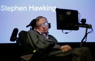 Illustration for article titled Ya puedes descargar gratis el software que usa Stephen Hawking para comunicarse