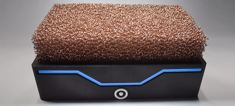 Illustration for article titled A Nest of Copper Foam Lets This Tiny PC Run Silently Without Fans