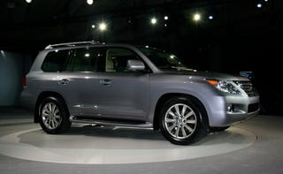 Illustration for article titled New York Auto Show: 2008 Lexus LX 570