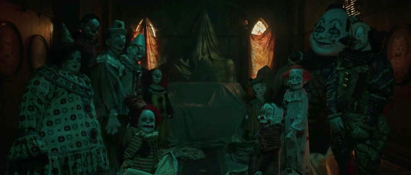 Lots and lots of scary clowns in It. Image: YouTube