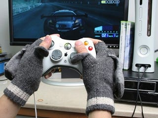 Illustration for article titled USB Heated Gloves for Chilly Gamers