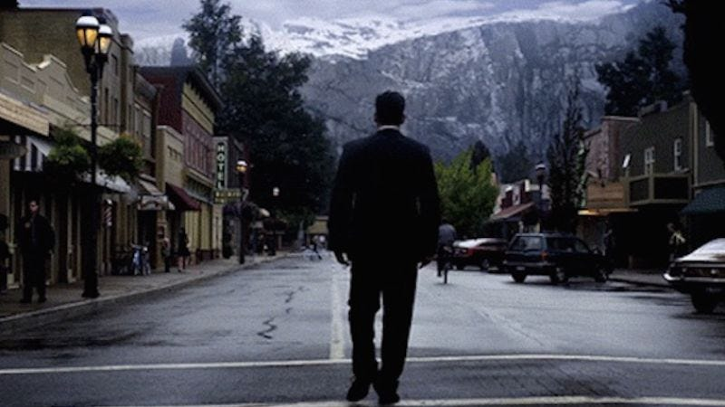 "Illustration for article titled M. Night Shyamalan says Wayward Pines is ""a three-season story"""