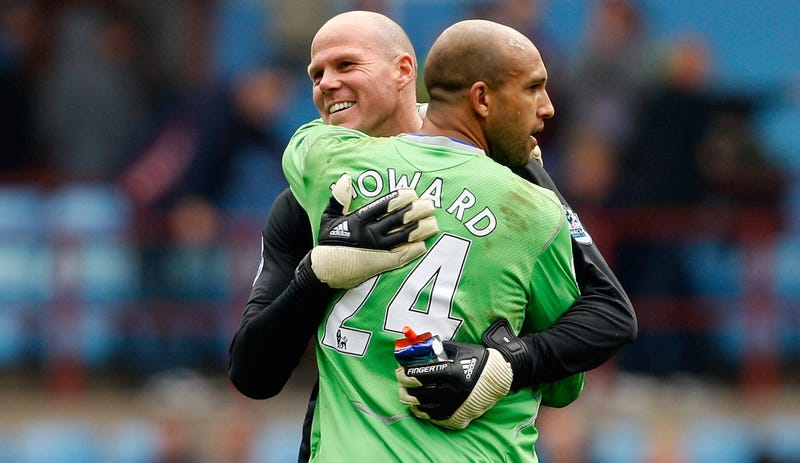 Illustration for article titled Tim Howard Retracts Book Claim That Brad Friedel Tried To Sabotage Him