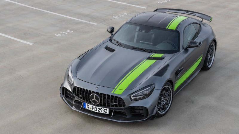 Illustration for article titled The 2020 Mercedes-AMG GT R Pro Is Most Hardcore Yet With Big Aero