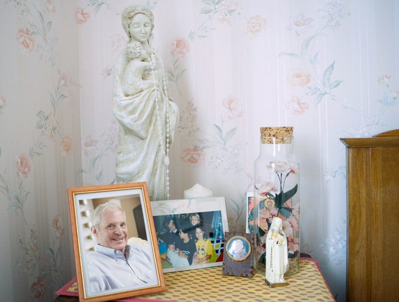 Illustration for article titled Alcoholic Father Granted Posthumous Sainthood By Catholic Family