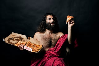 Illustration for article titled Hilarious photographs recreate Renaissance paintings with junk food