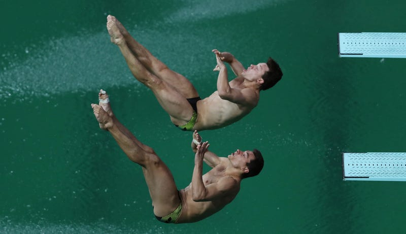 This Is How Olympic Pools Are Prepared So The Water Doesn 39 T Turn Green Crystal Rain Pool And