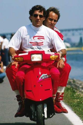 Illustration for article titled 2 more hours until Secret Senna Closes!
