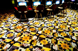 Illustration for article titled The Ugly Carpets of Vegas are Hideously Clever Social Engineering at Work