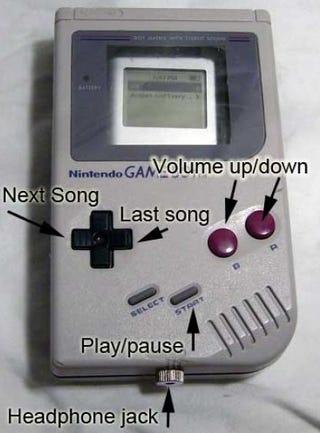 Illustration for article titled Vintage Game Boy iPod Case