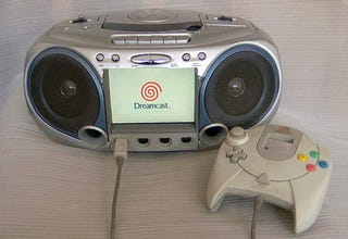 Illustration for article titled Boombox Modded Into Dreamcast