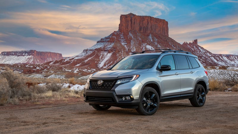 Illustration for article titled The 2019 Honda Passport Can Be Your Off-Road-Tackling Crossover Starting at $31,990