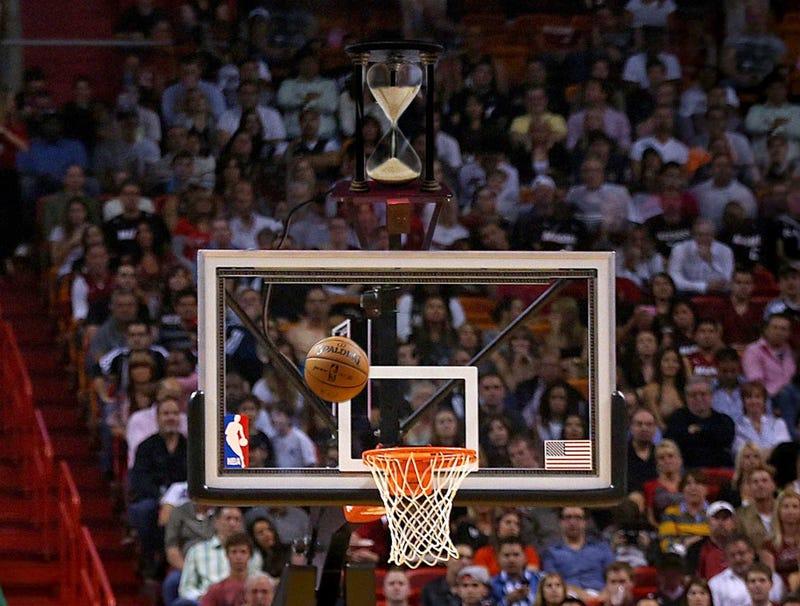 Illustration for article titled NBA Unveils Throwback Shot Clock