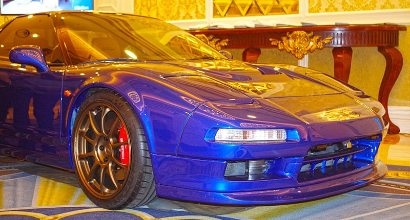 Illustration for article titled The Sexiest Machine At High-Tech CES Is Actually This Old NSX