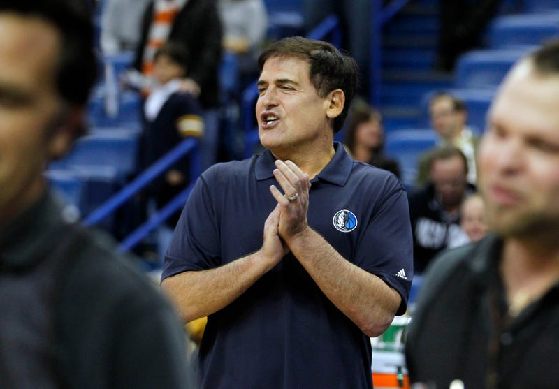 Illustration for article titled Mark Cuban Takes Shot At NFL For Its Opposition To Sports Betting