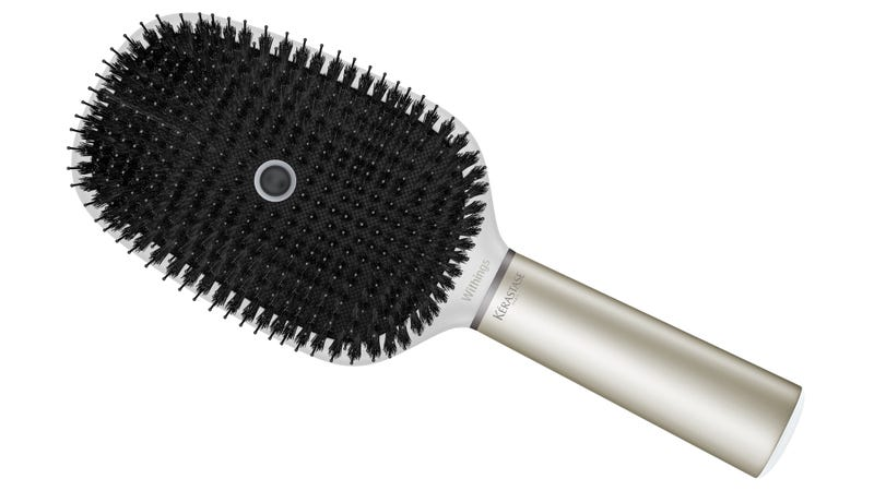 Illustration for article titled L'Oréal's Smart Hairbrush Knows More About Your Hair Than Your Salon Does