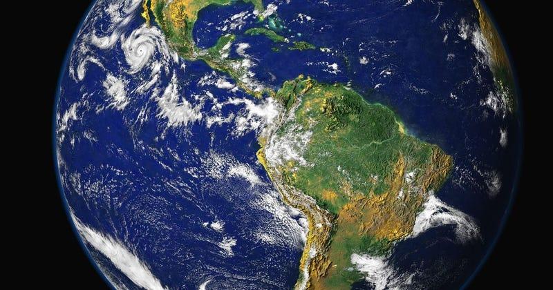 Illustration for article titled Qué ocurriría si la Tierra girara hacia el otro ladodesde su formación