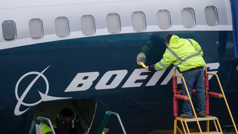 Illustration for article titled Boeing Employee Claims White Co-Workers Hung Noose, Urinated on His Chair