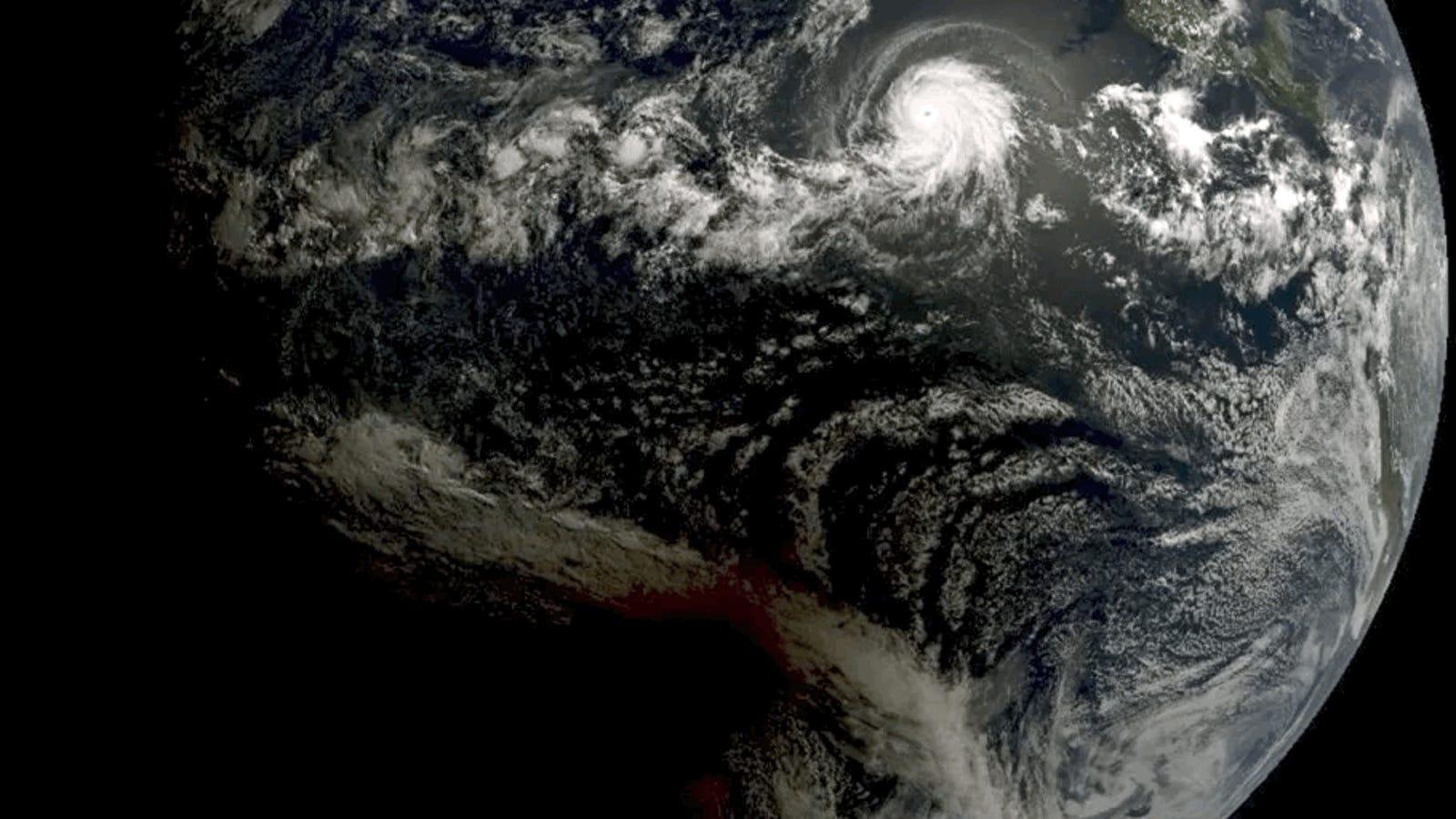 QnA VBage Eclipsecane! Solar Eclipse Photobombs Hurricane in Stunning Satellite Shots