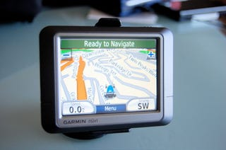 Illustration for article titled First Garmin Nuvi 200 GPS Review: Barebones, Fast, Capable