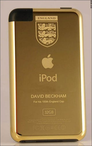 Illustration for article titled David Beckham Gets a Gold iPod Touch
