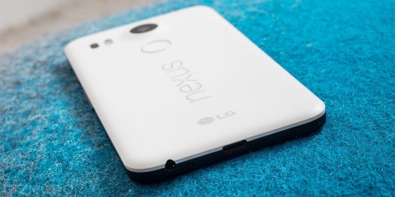 Illustration for article titled LG está devolviendo el dinero de algunos Nexus 5X porque la pieza para arreglarlos ya no se fabrica