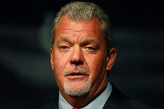 Illustration for article titled Jim Irsay Likes To Get Wet