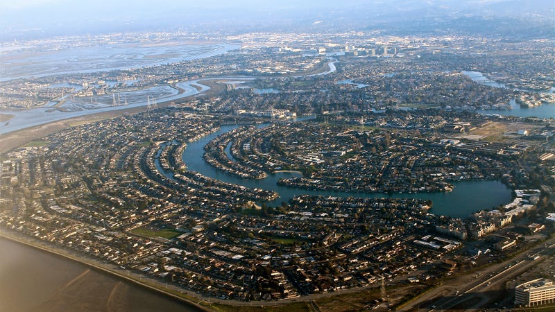 Foster City, CA: Not a major landmark of Silicon Valley, but it looks great from an airplane.