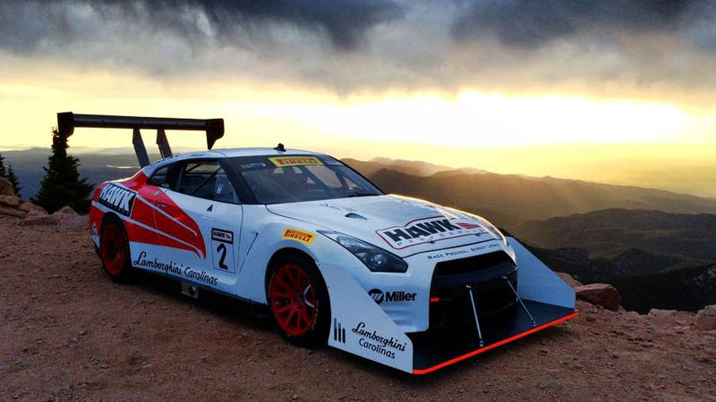 Illustration for article titled Everything rad about Pikes Peak in one amazing photo