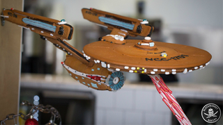 Illustration for article titled Gingerbread Enterprise Boldly Goes Where No Biscuit Has Gone Before