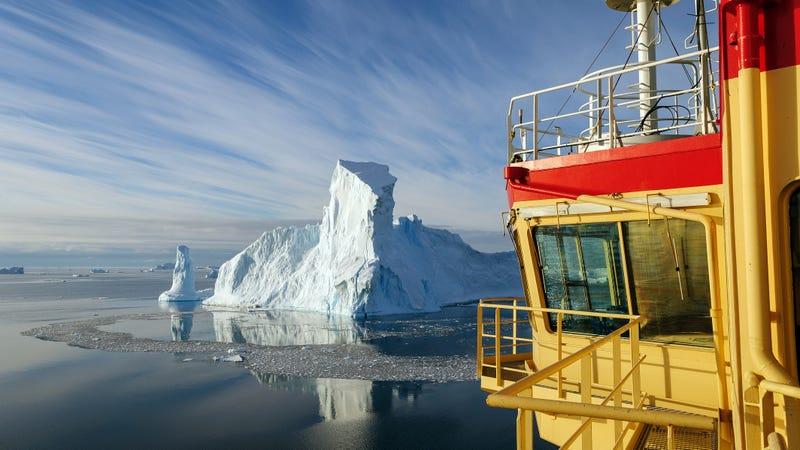 An iceberg in Pine Island Bay. Photo: Björn Eriksson