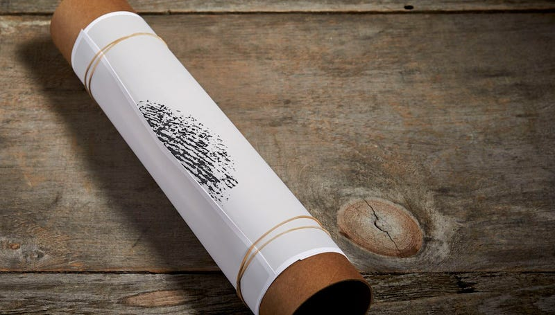 Uncurl Posters Faster by Rolling Them Around a Shipping Tube