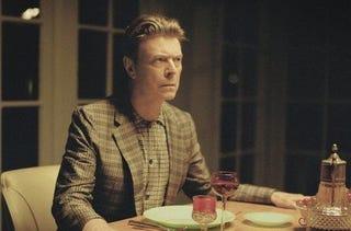 Illustration for article titled Bowie + Louis Vuitton
