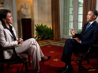 Robin Roberts interviews Obama for ABC. (Getty Images)