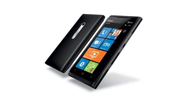 Nokia Lumia 900: Our Favorite Windows Phone, Now Bigger ...