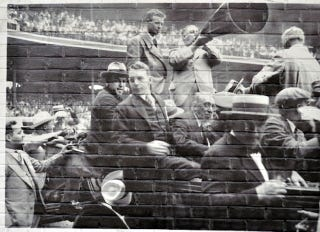 Illustration for article titled Wrigley Field Mural Depicts Scene From Comiskey Park